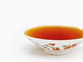 Consommé in einer Suppenschale
