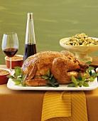 Gebratenes Huhn und Rosenkohl-Perlzwiebel-Gemüse