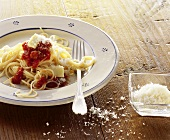 Spaghetti alla napoletana (Pasta with tomato sauce, Italy)