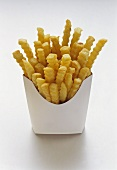 Pommes frites in weisser Fast-Food-Box