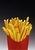 Pommes frites in roter Fast Food Box