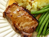 Boneless Pork Chop with Potatoes and Green Beans