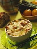 Spargel-Hähnchen-Eintopf mit Käse gratiniert