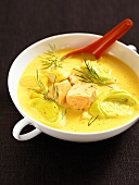 Salmon soup with leek and dill