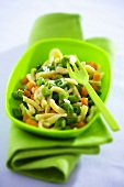 Pasta with green beans and carrots
