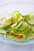 Gurkensalat mit Chilidressing (Thailand)