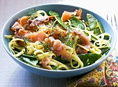 Tagliatelle with smoked salmon, mange tout and lemon sauce