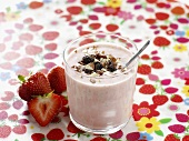 Strawberry smoothie with cereals
