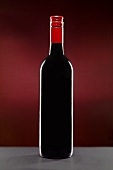 Rotweinflasche mit Schraubverschluss