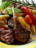 Barbecued lamb chops with pasta, vegetables and rosemary