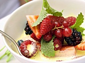 Berry salad with vanilla sauce