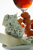 Buttermilk blue cheese with grapes and red wine
