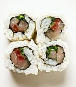 Inside-out-Rolls mit Fisch