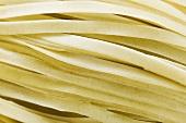 Dried egg noodles (close-up)