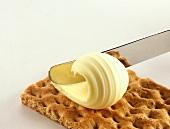 Buttering crispbread