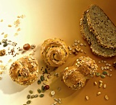 Various wholemeal rolls and slices of bread