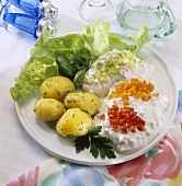 Quark with vegetables and boiled potatoes