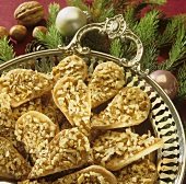 Christmas biscuits: nutty leaf biscuits