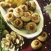 Small hazelnut macaroons