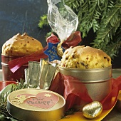 Two mini-panettones, to give as Christmas gifts