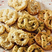 Lemon pretzels with pearl sugar and with pistachios