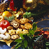 Assorted Christmas biscuits for 'Bunter Teller' (plate of biscuits & sweets)