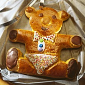 Baked teddy bear (yeast dough)