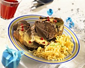 Roast beef with béchamel sauce and pasta