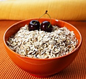 Amaranth muesli in a bowl