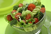 Lettuce with broccoli and cocktail tomatoes