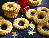Linzer Ringerl (ring-shaped biscuits) with chopped almonds