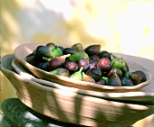 Fresh figs in wooden dish