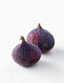 Two fresh figs