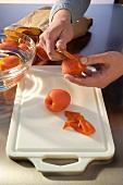 Skinning tomatoes