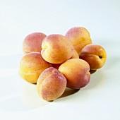 A heap of apricots