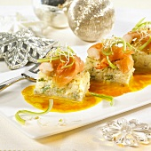 Rice cakes with salmon and shrimps