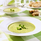 Cress soup with bread