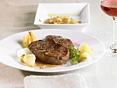 Steak with shallots