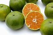 Ganze Tangerinen & Halbierte Tangerine