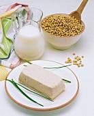 Soya milk, soya beans and tofu