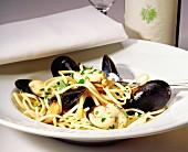 Spaghetti con le cozze (Spaghetti with mussels, Italy)