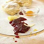 Ingredients: butter, jam, egg yolk, pastry
