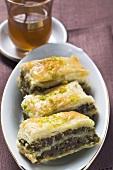 Baklava (Filloteig mit Honig und Pistazien, Türkei), Minztee