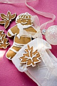 Gingerbread man and gingerbread leaves (for Christmas)