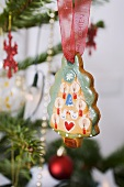 Gingerbread Christmas tree on the tree