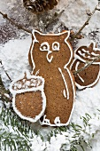 Gingerbread owl and acorns