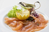 Smoked salmon with capers, mayonnaise and lemon