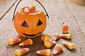 Candy corn (Halloween sweets, USA), pumpkin lantern
