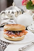 Cream cheese, smoked salmon and onion in bagel