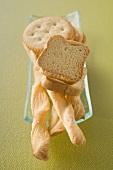 Crackers, zwieback and bread sticks